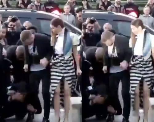 """Justin Timberlake """"attaccato"""" da un  disturbatore alla Fashion Week di Parigi"""