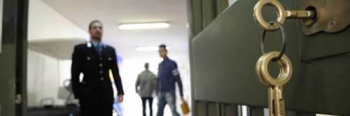 Taranto, litiga con la convivente ed evade dai domiciliari