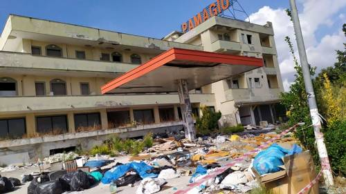 "L'ex struttura ""Pamagiu"" di Casandrino trasformata in una discarica abusiva"