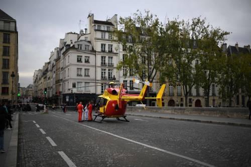 Parigi, strage alla sede della polizia: funzionario uccide 4 persone 3