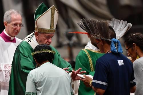 Vaticano, inizia il Sinodo che può spaccare la Chiesa