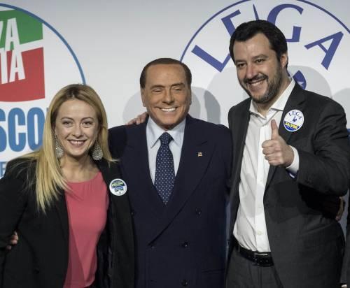 """Salvini e Meloni chiamano il Cav: """"Il caso durava da troppi anni"""""""