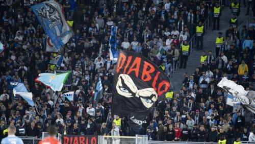 Lazio, Uefa apre procedimento per i saluti romani dei tifosi nella gara col Rennes