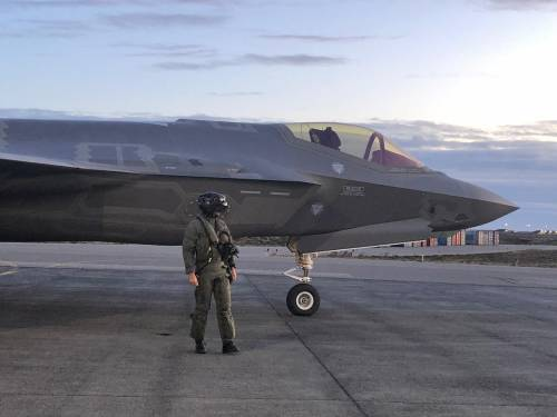 Gli F-35 italiani decollano in Islanda 4