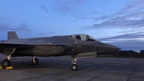 Gli F-35 italiani decollano in Islanda 8