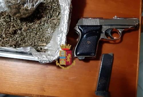 Droga, armi e documenti falsi scoperti in una villetta
