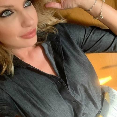 Manila Nazzaro sensuale su Instagram 6