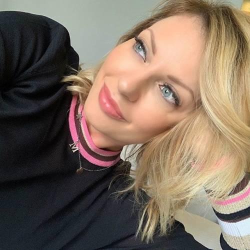 Manila Nazzaro sensuale su Instagram 7