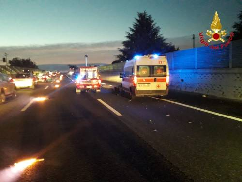 Milano, soccorsi sulla A8 per incidente stradale 3