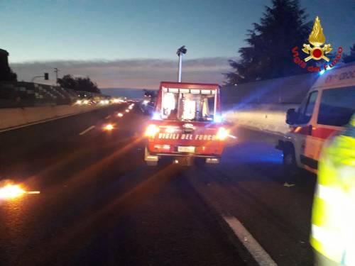 Milano, soccorsi sulla A8 per incidente stradale 2