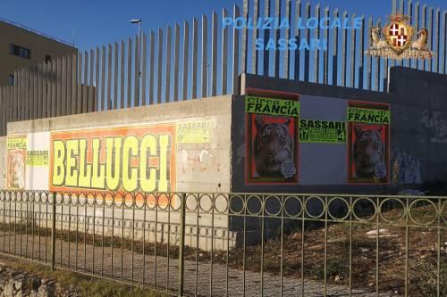Sassari, manifesti affissi abusivamente in città
