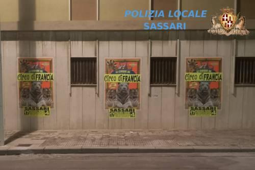 Sassari, circo riempie la città di manifesti. Interviene la polizia municipale