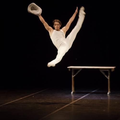 Leon Cino, il primo ballerino a vincere Amici  2