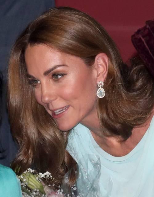 Kate e William sbarcano in Pakistan, la Duchessa incanta 5