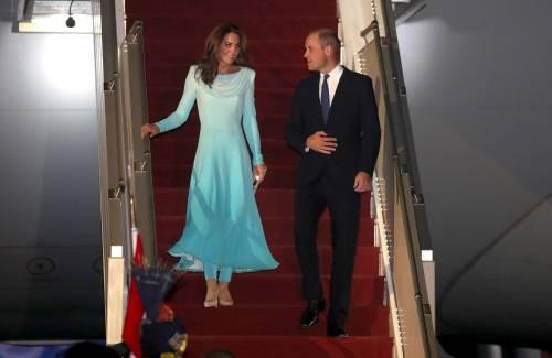 Kate e William sbarcano in Pakistan, la Duchessa incanta 6