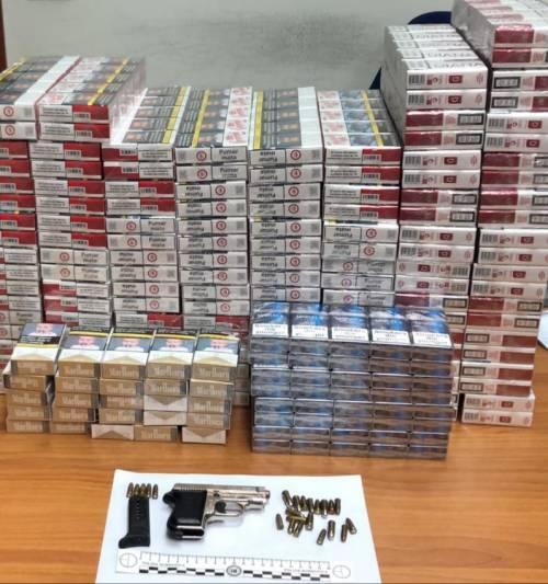 Taranto, la pistola nascosta in un calzino in cucina: un arresto
