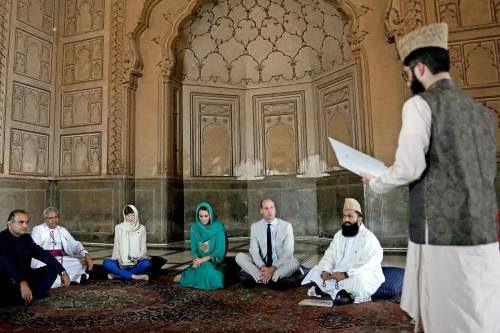 Principe William e Kate in visita a Lahore 4