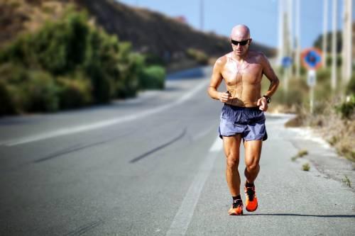 Fare sport prima di colazione brucia più grassi