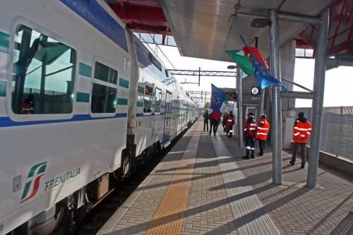Si masturba in treno davanti a due donne: multato un nigeriano 35enne