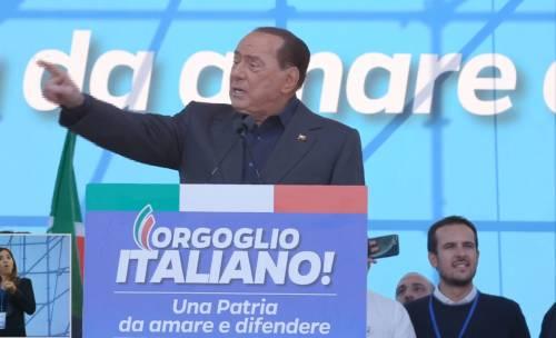 """Berlusconi: """"Bce non basta, serve intervento del Mes"""""""