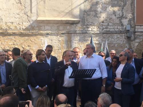 Bari, Emiliano presenta la sua candidatura alle prossime regionali 5