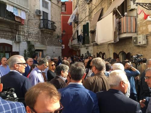Bari, Emiliano presenta la sua candidatura alle prossime regionali 7