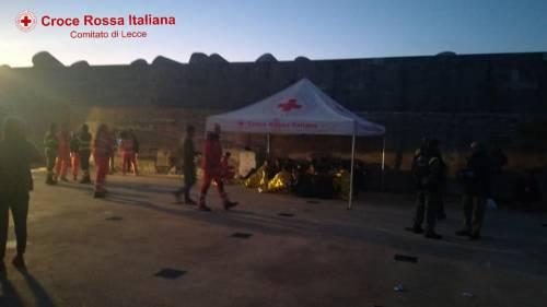 A Leuca sbarcano 50 migranti 2