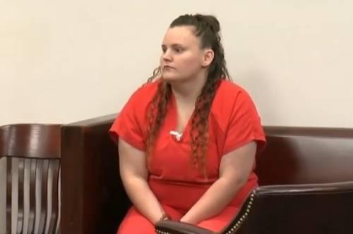 Stati Uniti, babysitter stupra 11enne e resta incinta: condannata