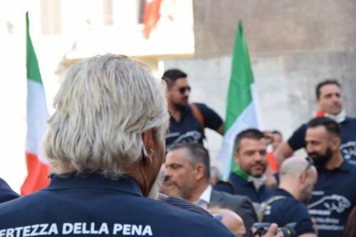 La manifestazione delle forze dell'ordine 2