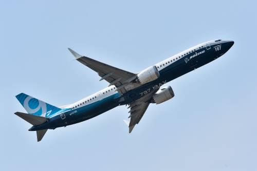 Boeing sospende la produzione dei 737 Max