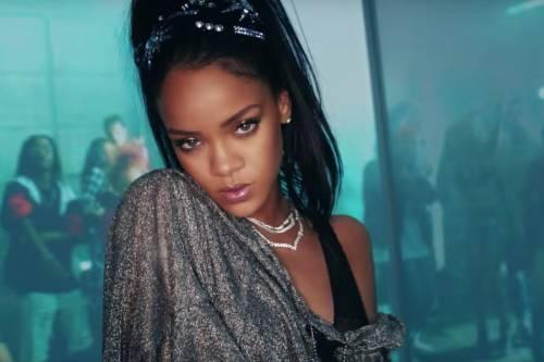 """Rihanna: """"Oggi mi sento più donna e sogno la maternità"""""""