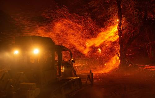 Inferno di fuoco in California 4