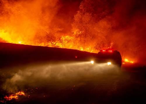 Inferno di fuoco in California 9
