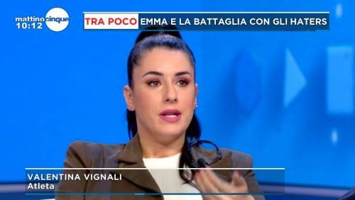 """La denuncia choc di Valentina Vignali: """"Lo skipper ci ha fotografato le parti intime"""""""