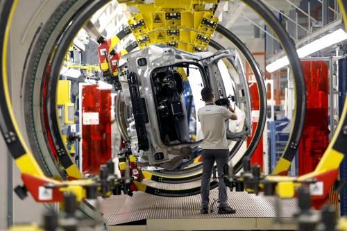 Industria dell'auto in agonia in aprile venduti 2.229 veicoli