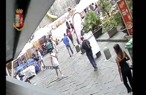 Catturata banda di rapinatori: così derubavano i turisti nel centro storico di Napoli