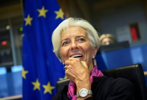 """""""Noi non riduciamo lo spread"""". Ed è bufera sulla Lagarde"""