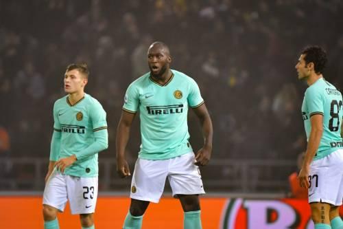 L'Inter ribalta il Bologna al 92': 1-2 con doppietta di Lukaku. Nerazzurri primi