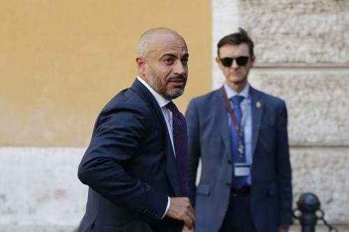 """Paragone fonda un partito: """"Voglio portare l'Italia fuori dall'Europa"""""""