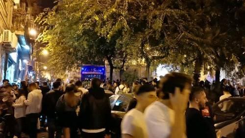 Napoli, nelle notti di piazza Bellini 4