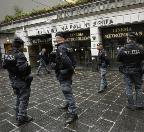 Scritte contro Salvini a Napoli 2