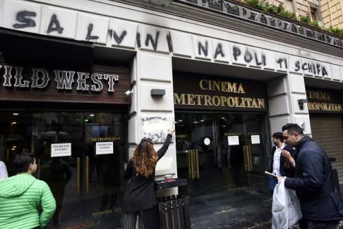 Scritte contro Salvini a Napoli 3