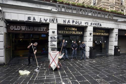 Scritte contro Salvini a Napoli 4