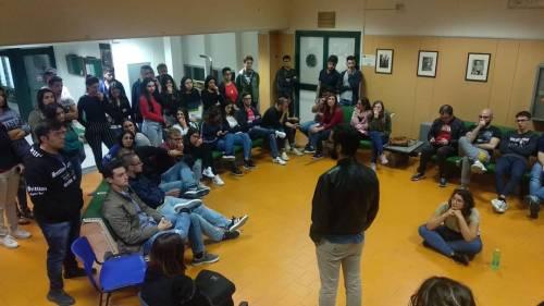 Idonei, ma senza un posto-letto: gli studenti montano le tende all'università 5