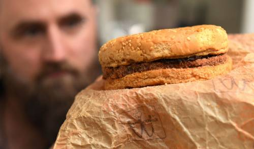 É rimasto intatto un panino del McDonald's acquistato nel 1995 5
