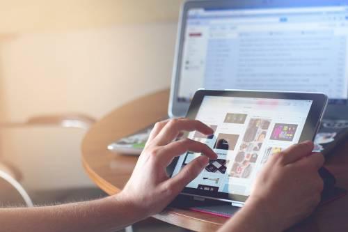 Perché l'uso di tablet, pc e smartphone fa male ai bambini