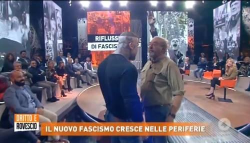 """Dritto e Rovescio, scontro di fuoco fra Vauro e Brasile: """"Fascio di m..."""""""