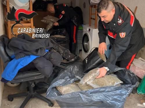 Brindisi, i carabinieri scovano il nascondiglio della droga 6