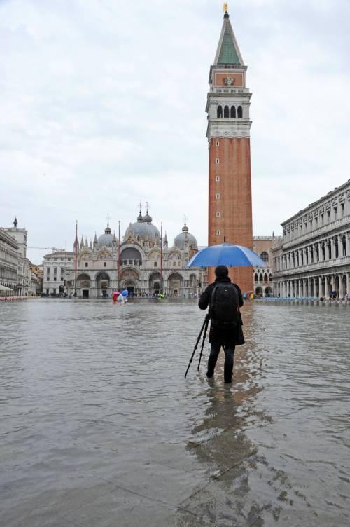 """Venezia, il climatologo: """"L'Adriatico si alzerà di 9 centimetri"""""""
