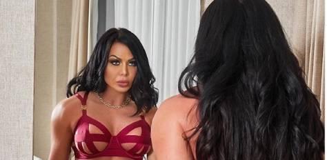 """La svolta di """"Playboy"""": in copertina arriva Sabrina Sidoti, la pornostar finita in prigione"""